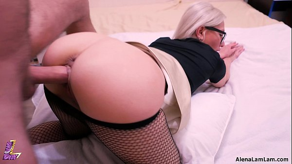 MILF Doggystyle and Riding her co-worker, 4K (U...
