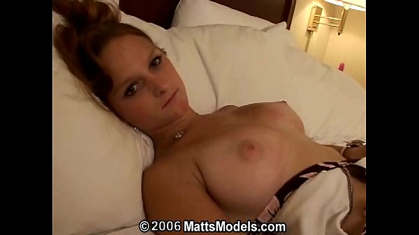 Young amateur Melanie first time masturbation