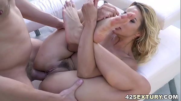 Cherry Kiss stretched her both holes with Vince Karter's big cock