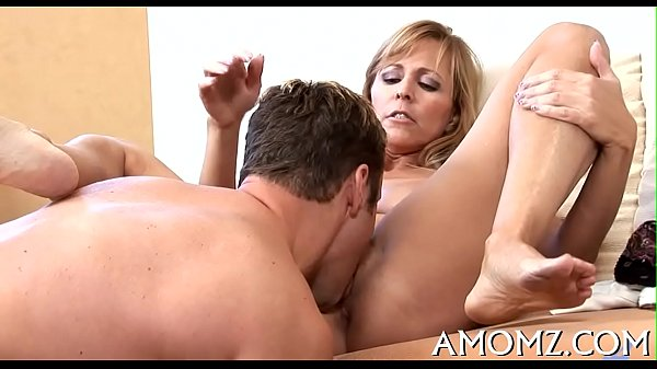 Mommy receives her anal creampied Thumb