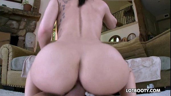 Big booty brunette Gabriella Paltrova sucked and gets fucked Thumb