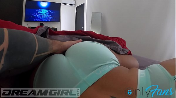 I try to wake up my dreamgirl, but ... she keeps sucking her finger. https://es.chaturbate.com/dreamgirl97/. https://onlyfans.com/dreamgirlofficial