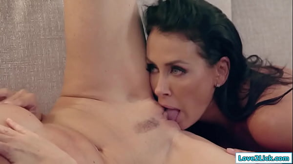 2 mature milfs going down on each other