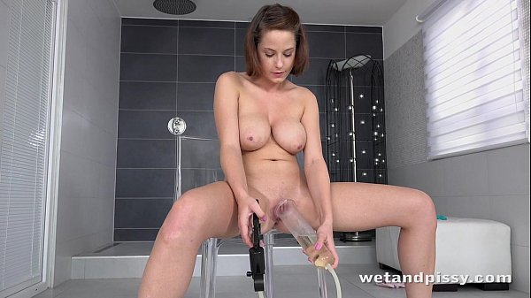 Cover my big tits in piss - I wont tell anyone Thumb