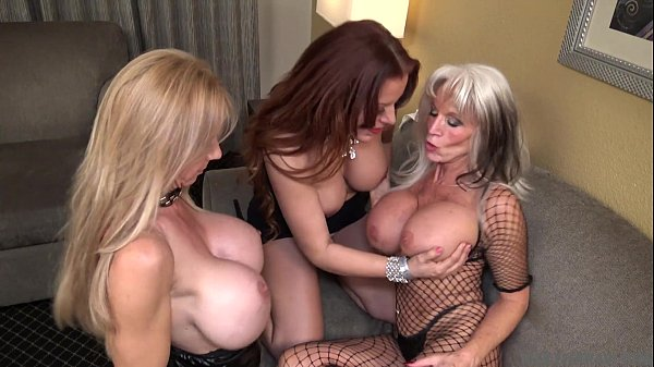 Very HOT Cougars Threesome - Nicky Ferrari Broo...