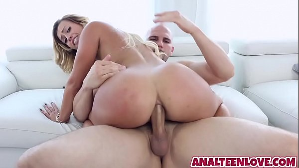Awesome Kelsi Monroe has butthole filled with hard penis Thumb