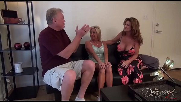 Deauxma has 3 sum with hubby and girlfriend