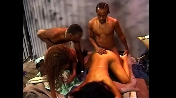 Chocolate biches from street makes wild orgy with black dudes in jail
