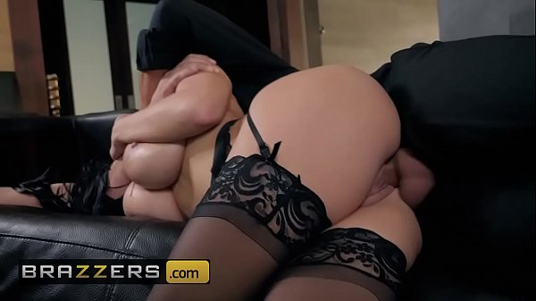 (Victoria June, Keiran Lee) - Fuck Me By The Fire - Brazzers