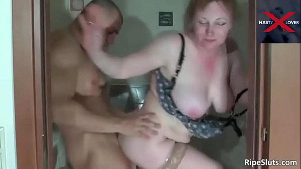 Gorgeous Step Mom Shitting in Toilet Thumb