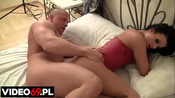 Polish porn - Bound MILF fucked in bed by a str...
