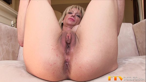 40 year old slut getting fucked in the pussy