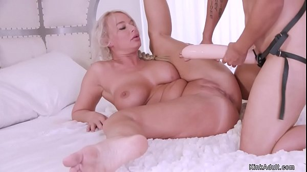 Anal MILF getting monster dildos