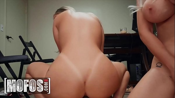 Young (Vienna Rose) shares cock with MILF Casca...