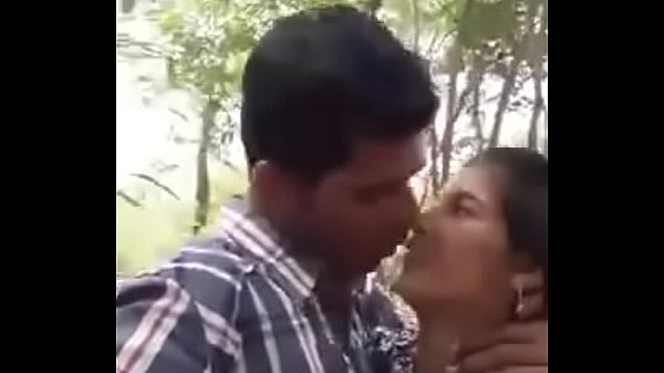 Cute Indian lover having sex at park Thumb