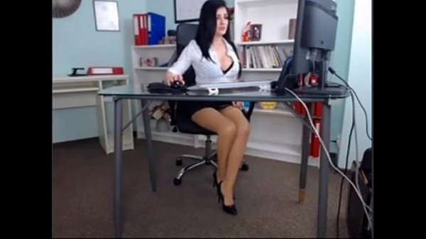 Beautiful Girl in Her Office sex(privatecams.pe...