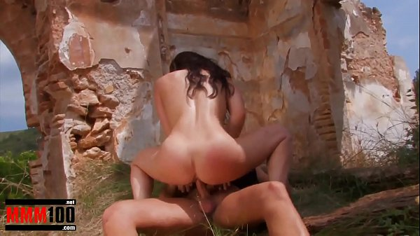 Strong anal gonzo for Gigi Love