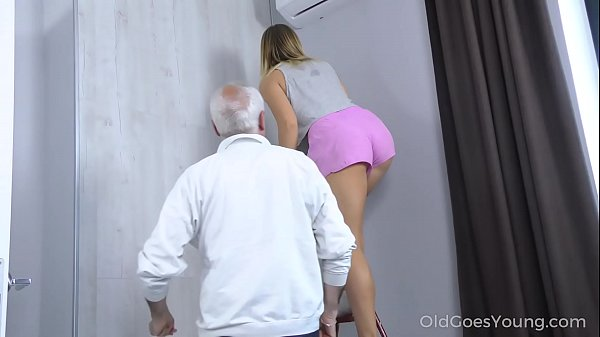 Old Goes Young - Sweetie thanks a caring mature...