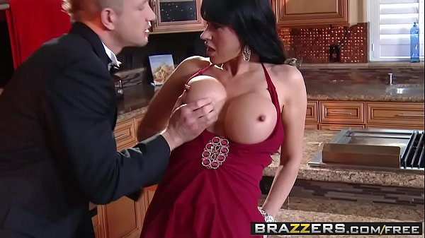 Brazzers - Mommy Got Boobs - Being Elite and Easy scene starring Eva Karera and Bill Bailey