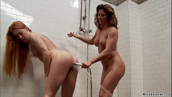 MILF anal fists redhead in the gym Thumb