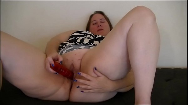 I fuck myself on cam and talk dirty
