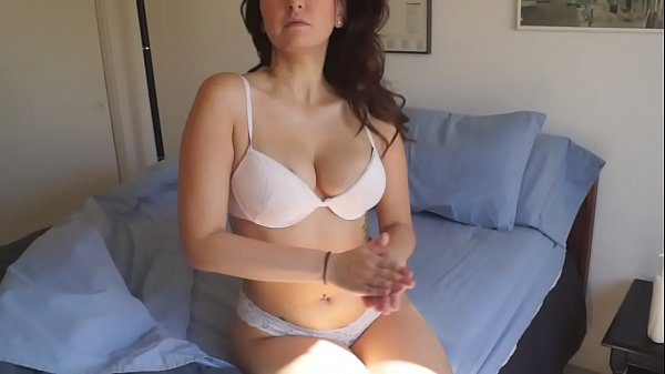 Kenza Cooper Rubs Herself With Lotion