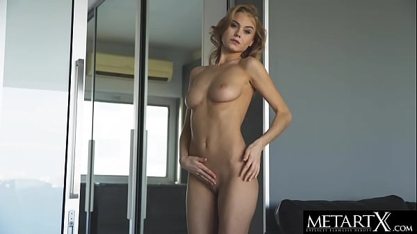 Blonde beauty with perfect body wants you to watch her masturbate