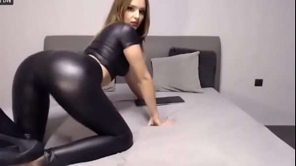 Super Hot Babe Loves To Tease and Shake Her Ass on Cam - CamGirlsUntamed.com Thumb