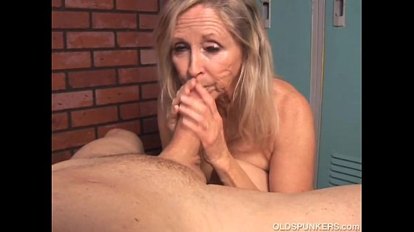 Beautiful blonde old spunker sucks cock and eat...