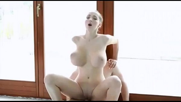 Who is she ?, Whats her name ? Como se llama? Quien es?
