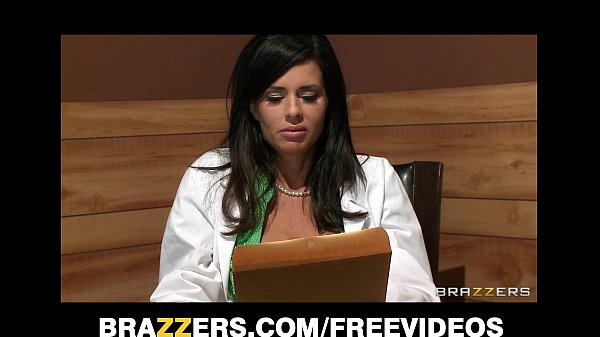 Big-tit brunette doctor uses her patient for a sexy threesome Thumb