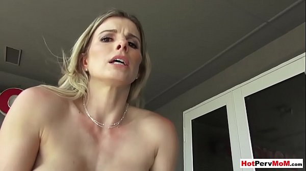 Perfect mature stepmother shows her sexual technique