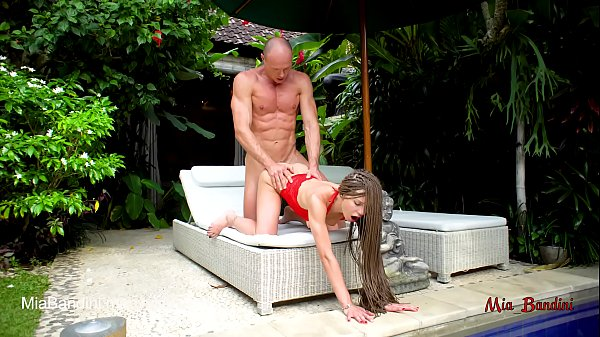 Couples Making Passionate Love: FIT TEEN PASSIONATE FUCKED AND FACIALIZED NEAR THE OUTDOOR POOL. MIA BANDINI
