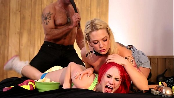Bailey Blue And Siri Enjoy A Kinky Threesome