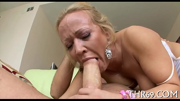 Engulfing a delectable willy