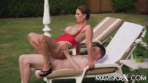 MARISKAX Busty MILF Sandy Lou gets fucked outdoors