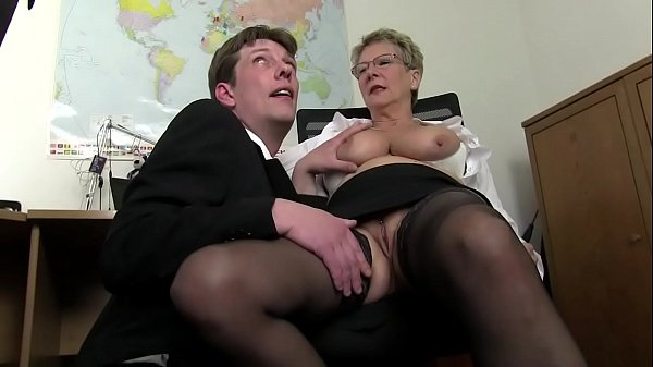 Free version - Mom wants cock and immediately t...
