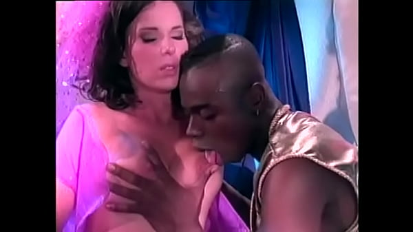 Fit black guy gets his tool sucked by white babe before he nails her