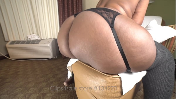 Mrs DeLuXXXe spreading, dildo fucking, teasing, twerking, fucking, squirting and bending her round massive 57 inch ass over for you to see! FULL CLIP AT CLIPS4SALE STORE 134223
