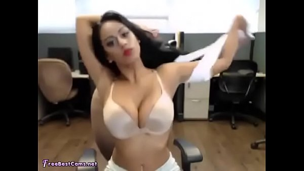 Indian bitch fingering in office - BIG BOOBS -R...