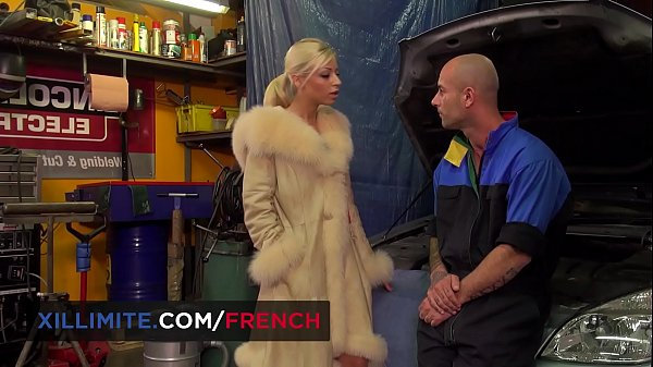 Chloé Lacourt blond French teen anal fucked by mechanic guy Thumb