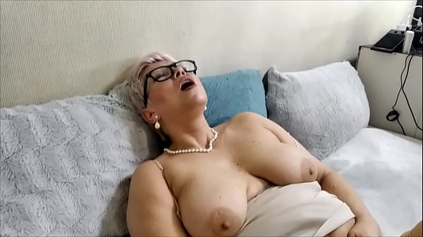 Horny mature Russian bitch ...