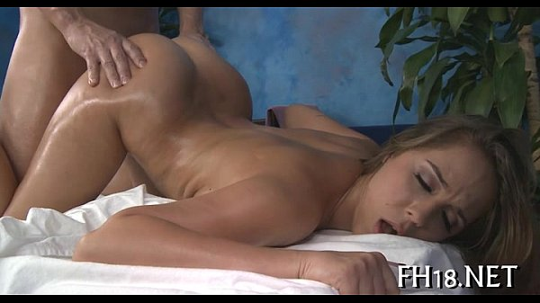 Hawt 18 year old gril gets drilled hard Thumb