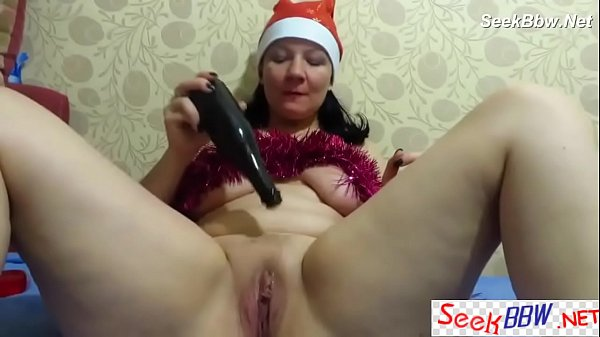 Homemade – BBW Huge Bottle Fisting Toy Xmas Show