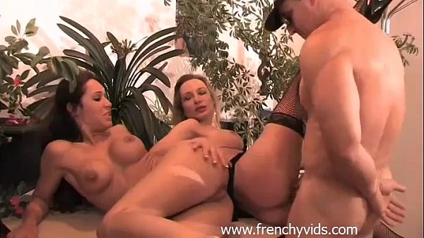 Sex In The Office : French Babes In Threesome Anal Fuck