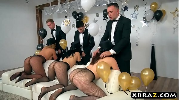 Big ass babes double penetration fucked in an orgy