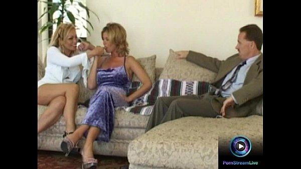 Lesbian milfs makes out first before getting dr...