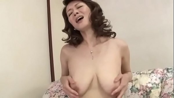 japanese mature mom masturbation
