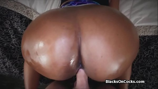 Thick oiled black booty cocked on casting