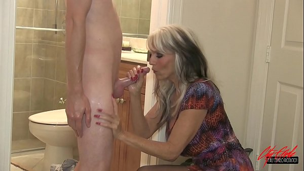 Young guy fucks his grandma  #GILF #MILF #TABOO Sally D'angelo Thumb